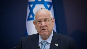Netanjahu soll wegen Korruption vor Gericht