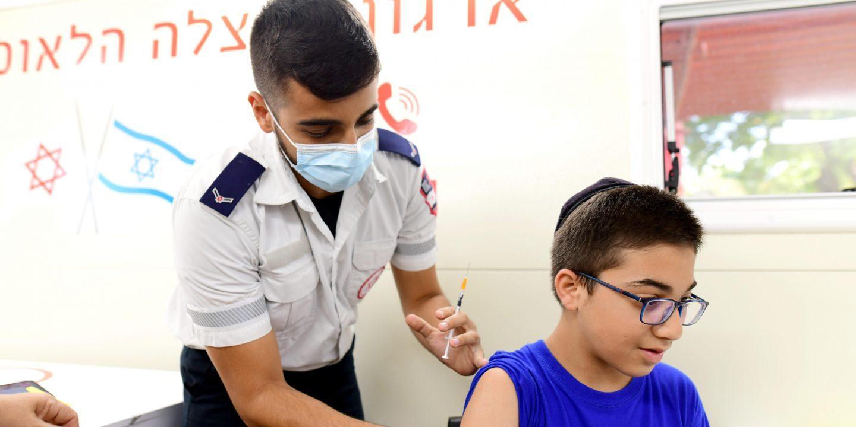 Studie: Corona-Impfung von Jugendlichen zu 90 Prozent effektiv